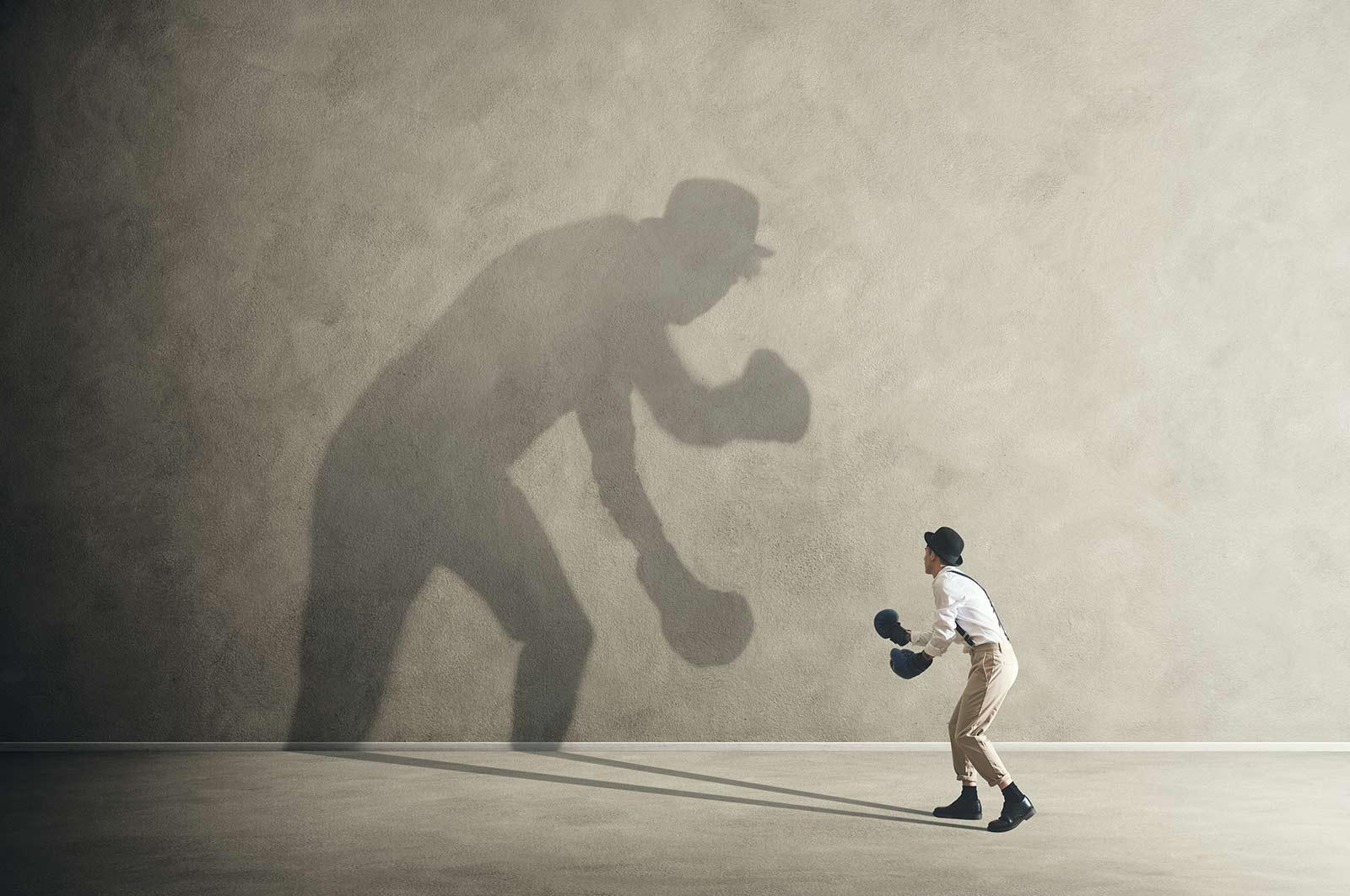 Persoon in gevecht met zichzelf Interventie counseling